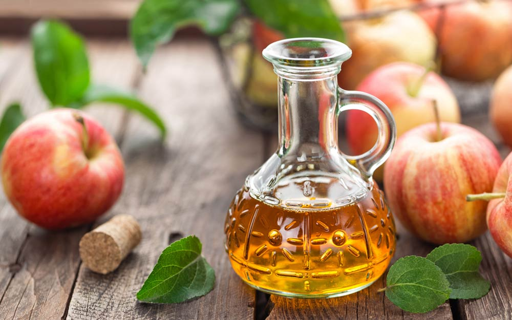 Clear Skin and Shiny hair: 30 Amazing Benefits of Apple
